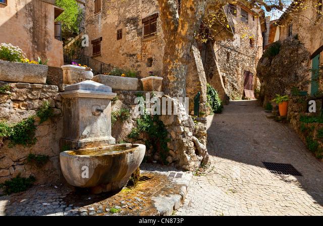 Tourtour stock photos tourtour stock images alamy - Les plus beau village du var ...