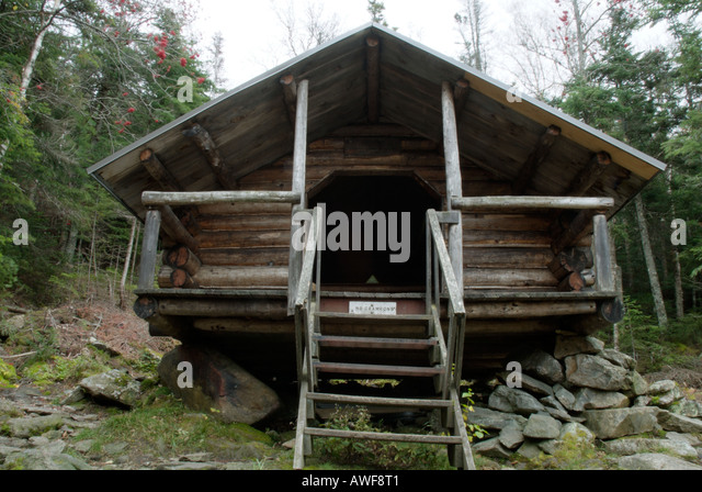 Lowe alpine stock photos lowe alpine stock images alamy for Ski cabins in new hampshire