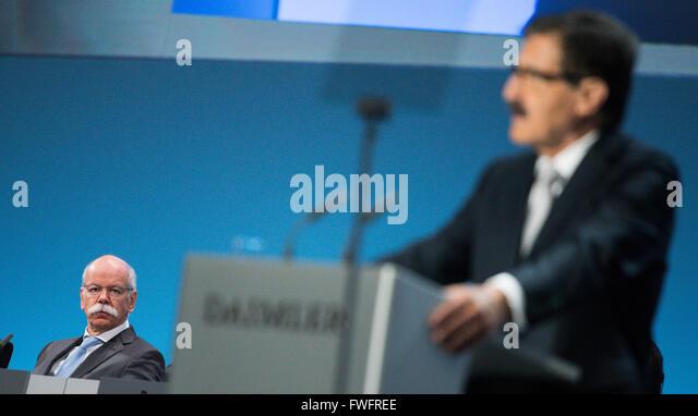 Dieter zetsche r stock photos dieter zetsche r stock for Mercedes benz financial statement 2016