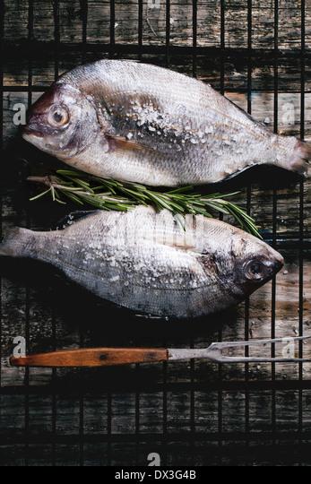 Fish market stock photos fish market stock images alamy for Sea salt fish grill
