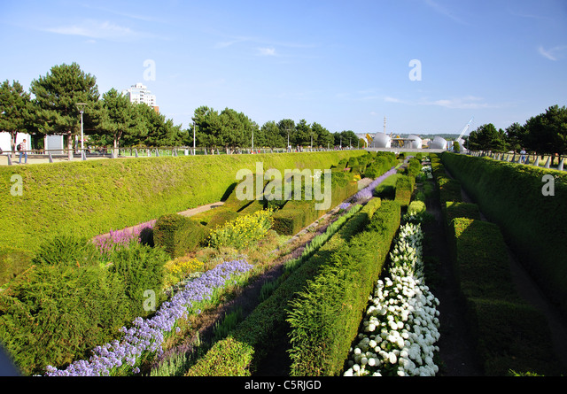 Marvelous Sunken Garden At Thames Barrier Park, Silvertown, West Ham, London Borough  Of Newham