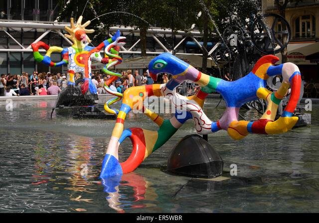 Stravinsky fountain stock photos stravinsky fountain stock images alamy - Fontaine beaubourg niki de saint phalle ...