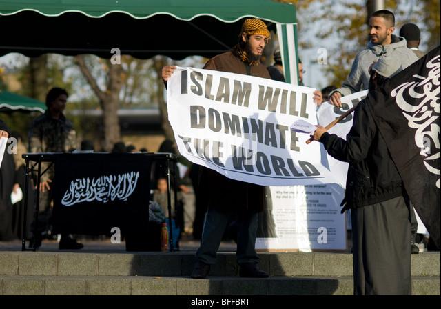 http://l7.alamy.com/zooms/50f293b22c1d4701bd0719fc8e61e1d5/islam-al-muhajiroun-walthamstow-muslim-group-bffbrt.jpg