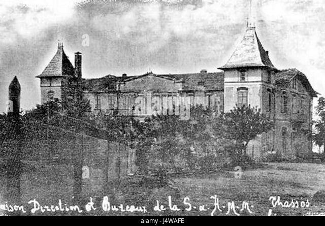 Vieille black and white stock photos images alamy for Auberge de la vieille maison