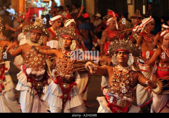 festivals in srilanka Diwali in sri lanka, sri lankan diwali festival, lanka diwali festival find information about festival of diwali, festival of lights, choti diwali, dhanteras, bhai.