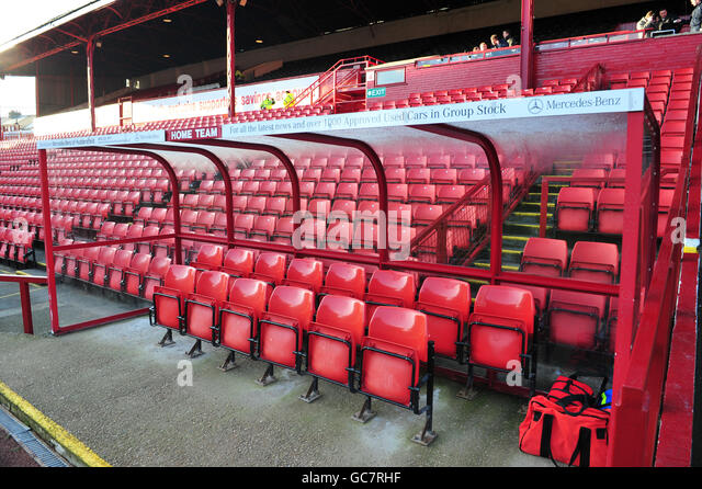 Newcastle seating stock photos newcastle seating stock images alamy - Coca cola championship table ...