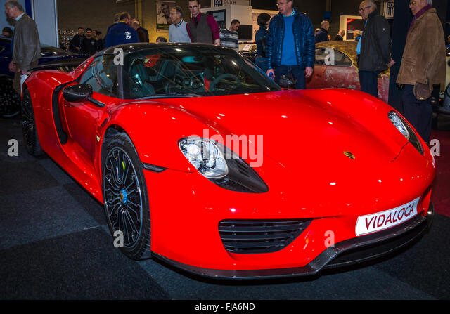Red Porsche Roadster Stock Photos & Red Porsche Roadster Stock ... on porsche speedster, porsche cayenne, porsche rsk, porsche panamera, porsche roadster, porsche gt, porsche convertible, porsche boxster, porsche gt4, porsche gt5, porsche hybrid, porsche suv, porsche macan, porsche gt3, porsche cayman,
