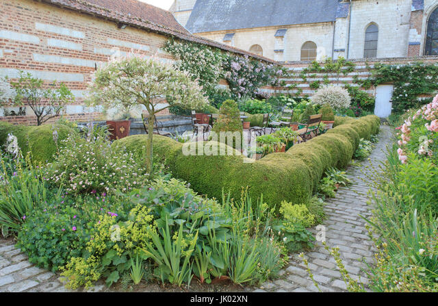 Jardin de la fontaine stock photos jardin de la fontaine for Le jardin de la france