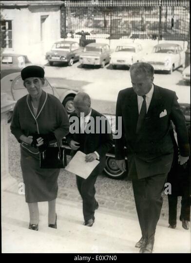 09 1965 golda meir in paris golda meir israelis foreign