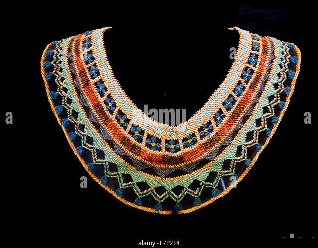how to make egyptian beaded collar
