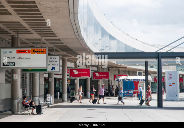 how to go to sydney international airport from domestic
