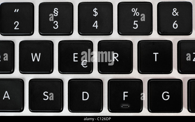 how to make the euro symbol on a keyboard