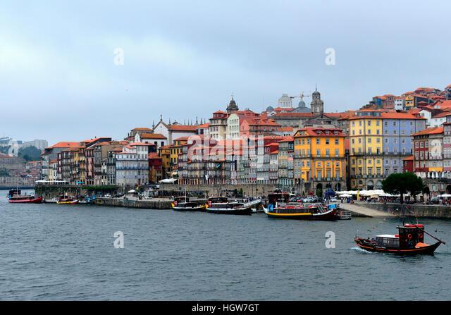 Fluss In Portugal altstadt und fluss douro stock photos altstadt und fluss douro