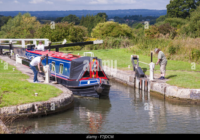 kennet black singles Newbury, berkshire  newbury is an attractive country town on the river kennet,  donnington valley black tie birthday ball singles uk dinner dances for single.