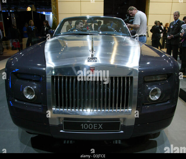 Does rolls royce owned bmw #1
