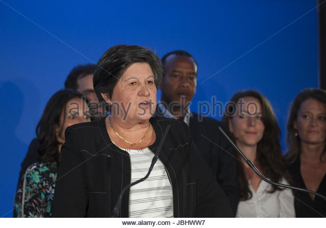 Paris, France. 11th June, 2017. La Republique en Marche (REM) acting chairperson Catherine Barbaroux (L) gives a - Stock Image