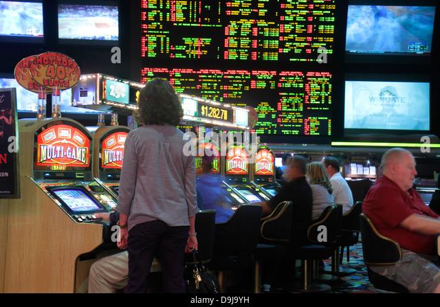 Odds on slot machines in las vegas