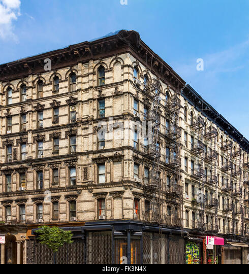 New York Apartments For Rent Manhattan: Crowded Tenement Building Stock Photos & Crowded Tenement