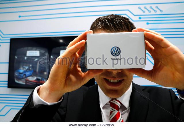 Virtual Reality Training Stock Photos Amp Virtual Reality