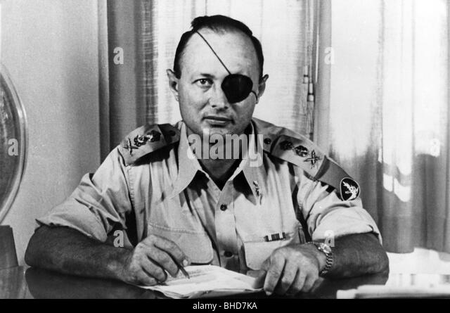 living with the bible moshe dayan