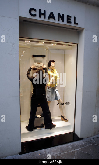 Chanel Handbag Stock Photos & Chanel Handbag Stock Images ...