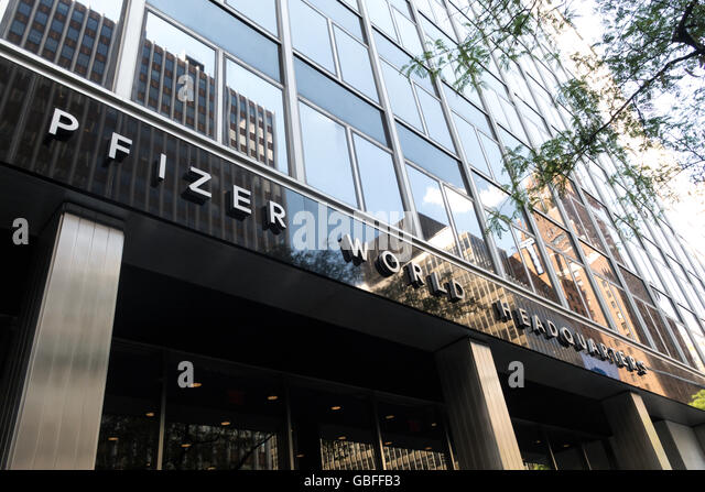 Pfizer Wallpapers: Pfizer Headquarters New York City Stock Photos & Pfizer