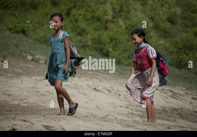 a child in bagladesh Committed itself to defend the rights of bangladeshi children, the country faces  serious problems (ineffective services, inadequate politics, etc.