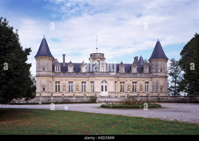Cru bourgeois stock photos cru bourgeois stock images for Chateau beaumont