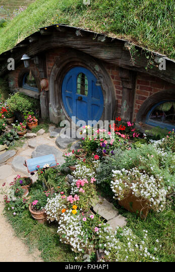 Hobbit house stock photos hobbit house stock images alamy for Hobbit house images