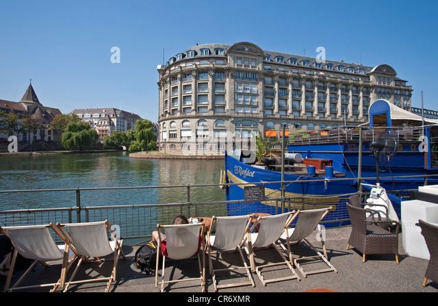 Chaise longue french stock photos chaise longue french for Chaise longue plage