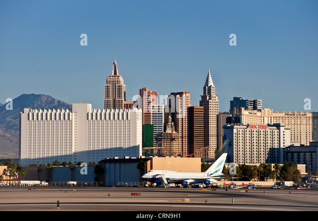 how to get from las vegas airport to strip