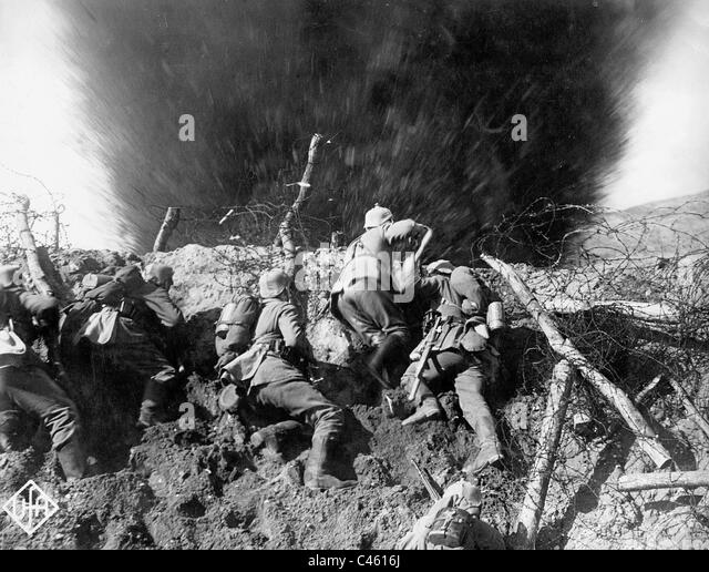 the battle of ypres First battle of ypres first battle of ypres , (19 october–22 november 1914) the german failure to break the allied lines in desperate fighting at ypres during world war i was the final episode in the 1914 campaign in the west.