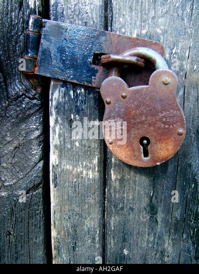 padlocked door - Stock Image & Hasp Locks Stock Photos \u0026 Hasp Locks Stock Images - Alamy Pezcame.Com