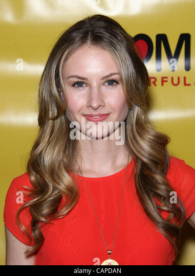 caitlin thompson actress