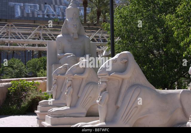 Gargoyle statue stock photos gargoyle statue stock for Garden statues las vegas nv