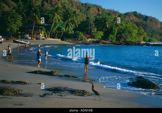 People fishing on playa montezuma nicoya peninsula for Fishing guanacaste costa rica