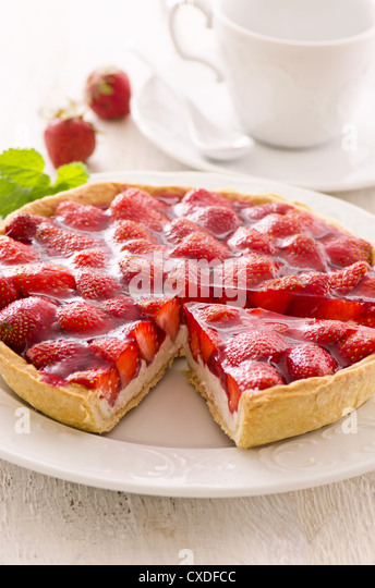 strawberry tart with ricotta filling - Stock Image
