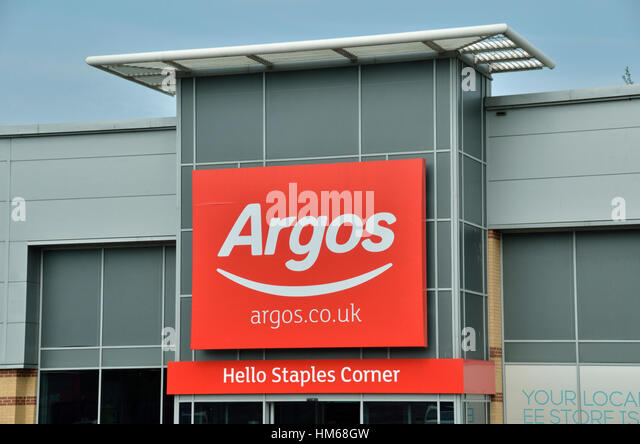 Retail park uk stock photos retail park uk stock images alamy - Storage staples corner ...