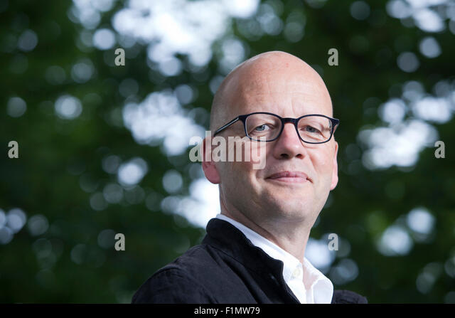 German: What sort of writer is Axel Hacke?