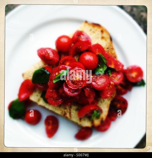 tomato-basil-bruschetta-on-ciabatta-s007