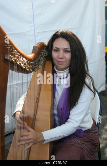 Harp Player Stock Photos & Harp Player Stock Images - Alamy
