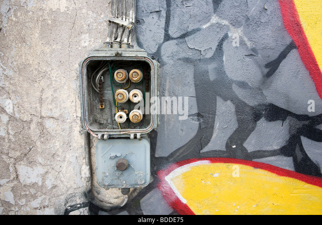 old fuse box on abandoned warehouse wall bdde75 fuse box stock photos & fuse box stock images alamy fuse box band at suagrazia.org