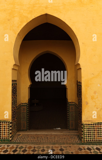 Oriental arch doors in the medina of Meknes Morocco - Stock Image & Oriental Arch Stock Photos \u0026 Oriental Arch Stock Images - Alamy