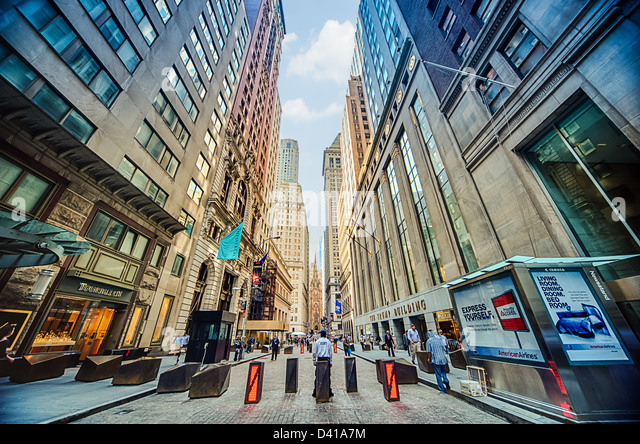 Security guards on Wall Street, Downtown Manhattan, New York City - Stock Image
