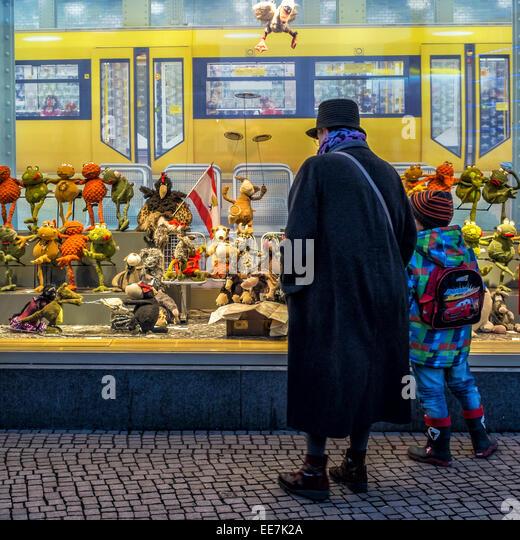 Galeria Kaufhof: Galeria Kaufhof Department Store Stock Photos & Galeria