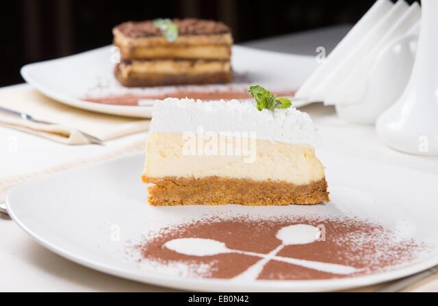 how to make a lemon cheesecake slice with caramel base