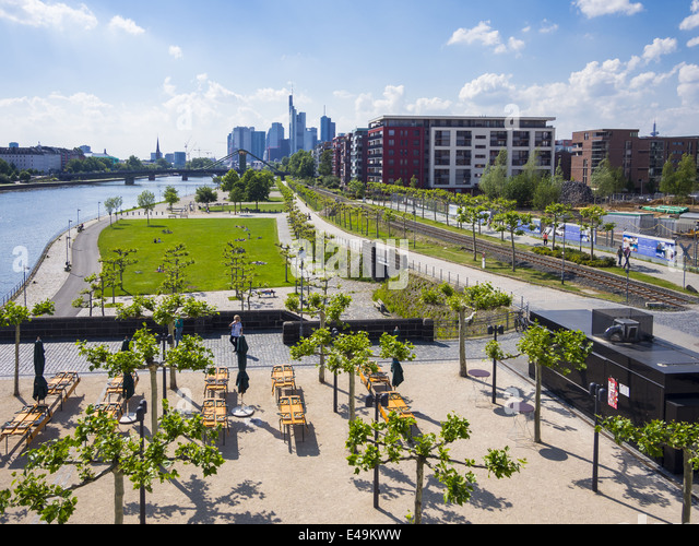 skyline garden frankfurt stock photos skyline garden frankfurt stock images alamy. Black Bedroom Furniture Sets. Home Design Ideas