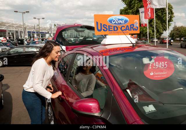Used Car Dealership Stock Photos Amp Used Car Dealership Stock Images Alamy