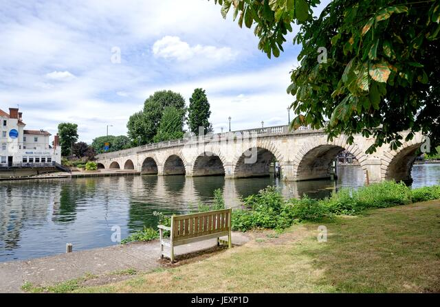 Road bridge at Maidenhead Berkshire UK - Stock Image