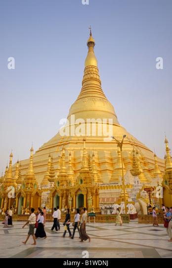 Shwedagone stock photos shwedagone stock images alamy for Asia famous buildings